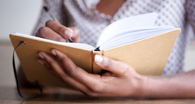 Escritura creativa, beneficios de escribir un diario